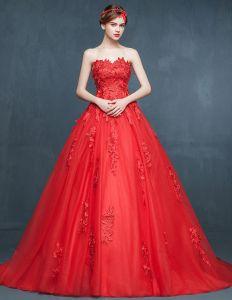 Hiver Rouge Robe De Mariée Petite Fuite Nuptiale
