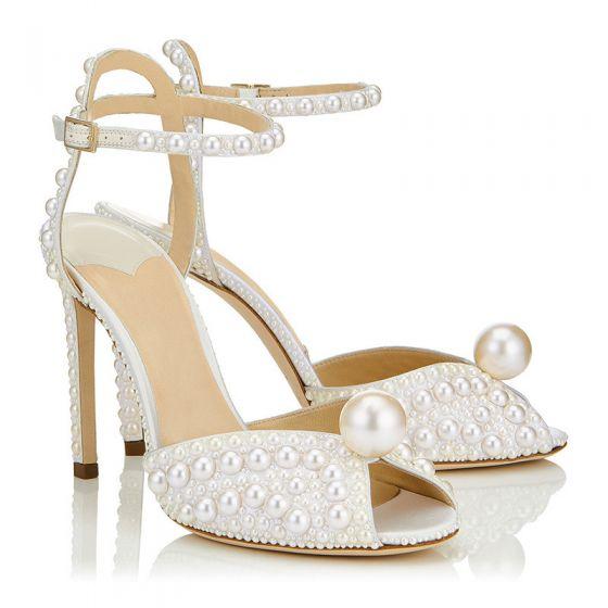 Charmig Elfenben Pärla Bröllop Sandaler 2020 Läder Ankelband 10 cm Stilettklackar Peep Toe Brudskor