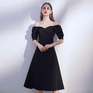 Sencillos Negro de fiesta Vestidos de graduación 2020 A-Line / Princess Fuera Del Hombro Hinchado Manga Corta Sin Espalda Té De Longitud Ruffle Vestido Negro Corto