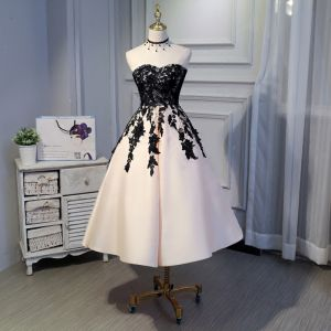 Chic / Beautiful Black Graduation Dresses 2018 A-Line / Princess Lace Tulle Appliques Backless Strapless Homecoming Formal Dresses