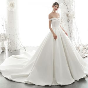 High-end Ivory Satin Wedding Dresses 2020 A-Line / Princess Off-The-Shoulder Pearl Sleeveless Backless Royal Train