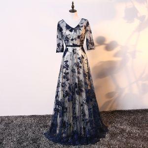 Elegante Champagner Marineblau Brautmutterkleider 2017 A Linie V-Ausschnitt 3/4 Ärmel Applikationen Mit Spitze Schleife Stoffgürtel Lange Kleider Für Hochzeit