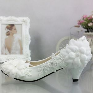 Chic / Beautiful 5 cm / 2 inch 2017 White Casual Church PU Lace High Heels Stiletto Heels Pumps Wedding Shoes