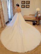Balle Sexy Perles Robe De Perles Encolure Sans Dossier Robe De Mariée Avec Une Longue Queue