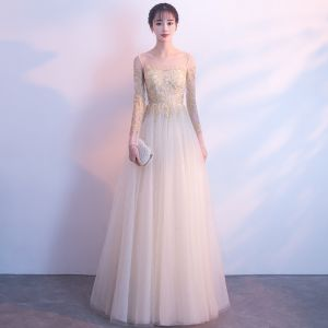 Elegant Champagne See-through Evening Dresses  2018 A-Line / Princess Scoop Neck Long Sleeve Appliques Lace Floor-Length / Long Ruffle Formal Dresses