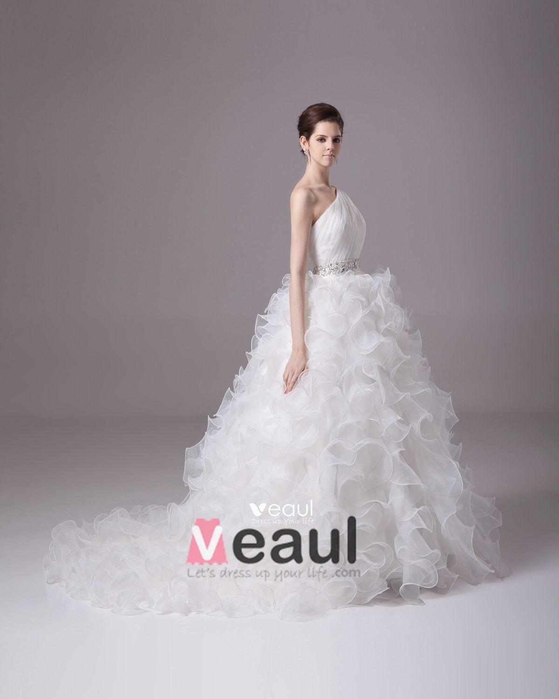 Sloping Floor Length Beading Ruffles Pleated Satin Yarn Ball Gown Wedding Dress