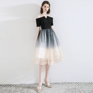 Fashion Black Homecoming Graduation Dresses 2020 A-Line / Princess Off-The-Shoulder Bow Star Sequins Short Sleeve Backless Knee-Length Formal Dresses