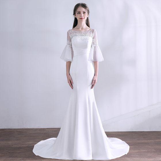 Proste / Simple Białe Suknie Ślubne 2018 Syrena / Rozkloszowane Z Koronki Frezowanie Wycięciem 1/2 Rękawy Bez Pleców Trenem Sweep Ślub