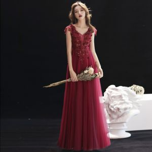 Chic / Beautiful Burgundy Evening Dresses  2019 A-Line / Princess V-Neck Beading Lace Flower Crystal Sleeveless Backless Floor-Length / Long Formal Dresses
