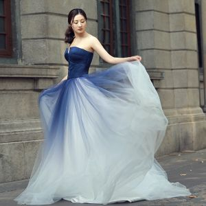 Chic / Beautiful Gradient-Color Wedding Dresses 2018 A-Line / Princess Strapless Backless Sleeveless Sweep Train Wedding