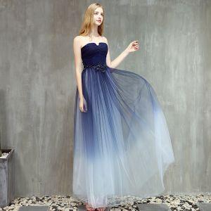 Moderne / Mode Bleu Marine Dégradé De Couleur Robe De Bal 2019 Princesse Bustier Sans Manches Perlage Longue Volants Dos Nu Robe De Ceremonie