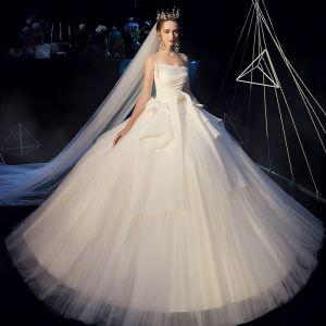 Bäst Champagne Organza Bröllopsklänningar 2019 Prinsessa Axelbandslös Ärmlös Halterneck Långa Ruffle