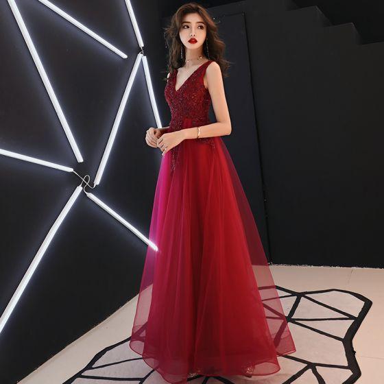 3dcf894d4c Piękne Burgund Sukienki Wieczorowe 2019 Princessa V-Szyja Bez Rękawów  Frezowanie Kryształ Z Koronki Kwiat Bez Pleców Długie Sukienki Wizytowe