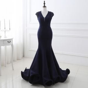 Chic / Beautiful Navy Blue Evening Dresses  2018 Trumpet / Mermaid Beading V-Neck Backless Sleeveless Court Train Formal Dresses
