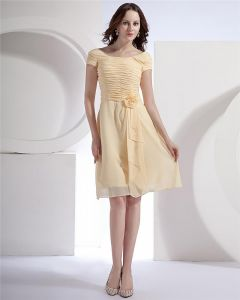 Chiffon Short Sleeve Flower Round Neck Tea Length Bridesmaid Dresses