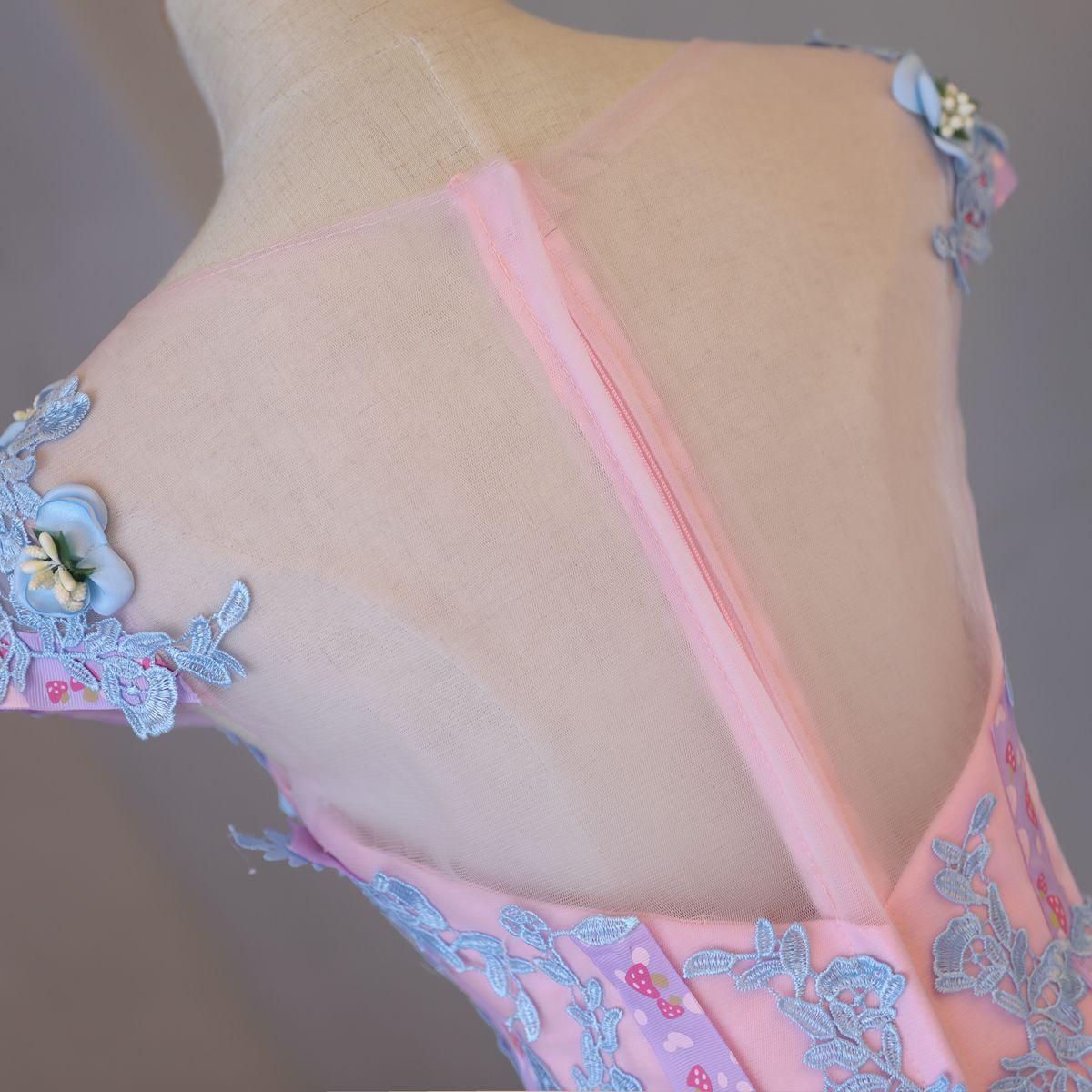 Schöne Abend Festliche Kleider 2017 Pink Abendkleider Etui Kapelle-Schleppe Rundhalsausschnitt Kurze Ärmel Rückenfreies Künstliche Blumen Mit Spitze Applikationen