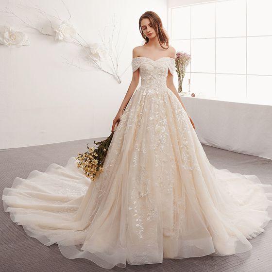 Elegant Champagne Brudekjoler 2019 Prinsesse Off-The-Shoulder Kort Ærme Halterneck Applikationsbroderi Med Blonder Cathedral Train Flæse