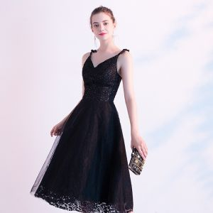 Chic / Beautiful Black Homecoming Graduation Dresses 2020 A-Line / Princess Spaghetti Straps Sequins Lace Flower Sleeveless Backless Knee-Length Formal Dresses