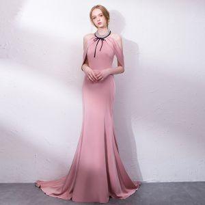 Elegant Candy Pink Evening Dresses  2018 Trumpet / Mermaid Bow Halter Backless Sleeveless Sweep Train Formal Dresses