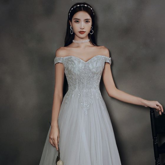 Elegante Grau Tanzen Ballkleider 2020 A Linie Off Shoulder Kurze Ärmel Perlenstickerei Lange Rüschen Rückenfreies Festliche Kleider
