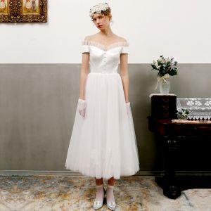Vintage Kość Słoniowa Suknie Ślubne 2018 Princessa Przy Ramieniu Kótkie Rękawy Bez Pleców Długość Herbaty Wzburzyć