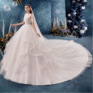 Edles Ivory / Creme Brautkleider / Hochzeitskleider 2019 Ballkleid Eckiger Ausschnitt Ärmellos Rückenfreies Fallende Rüsche Königliche Schleppe