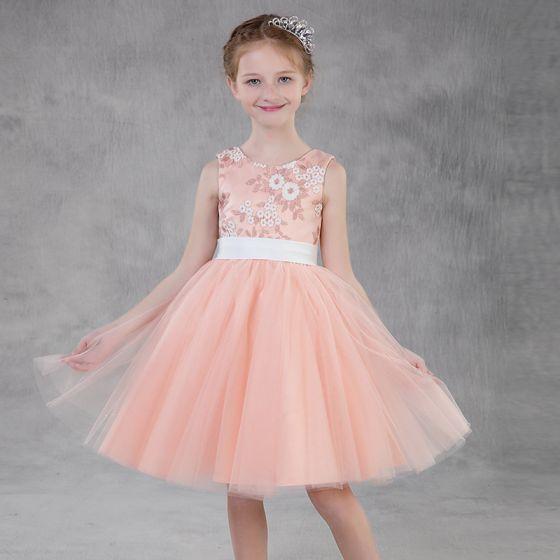 Piękne Różowy Perłowy Sukienki Dla Dziewczynek 2018 Princessa Wycięciem Bez Rękawów Aplikacje Z Koronki Szarfa Krótkie Wzburzyć Sukienki Na Wesele