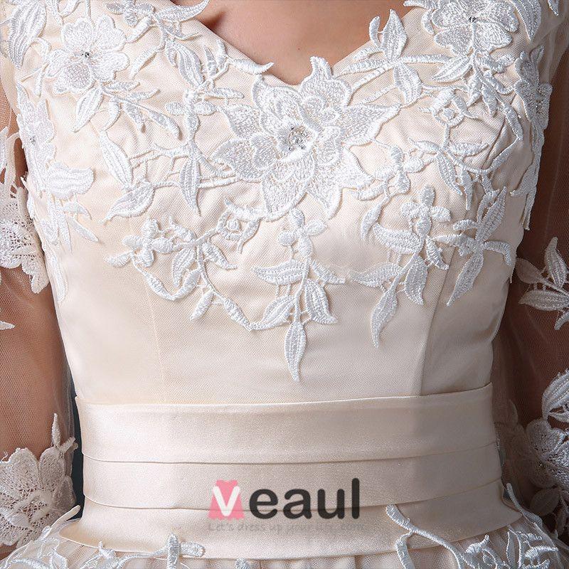 2015 A-line V-neck Ruffle Sash Appliques Lace Short Organza & Satin Wedding Dress