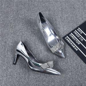 Modern Zilveren Avond Pumps 2019 Leer Rhinestone Strik 6 cm Naaldhakken / Stiletto Spitse Neus Pumps
