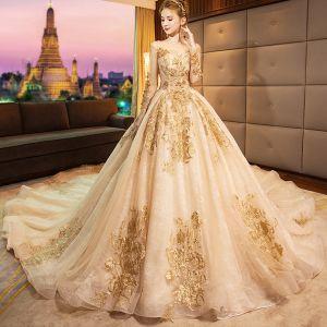 Luxe Doré 2019 Robe De Mariée Princesse Encolure Dégagée Perlage Cristal En Dentelle Fleur Paillettes Manches Longues Dos Nu Royal Train