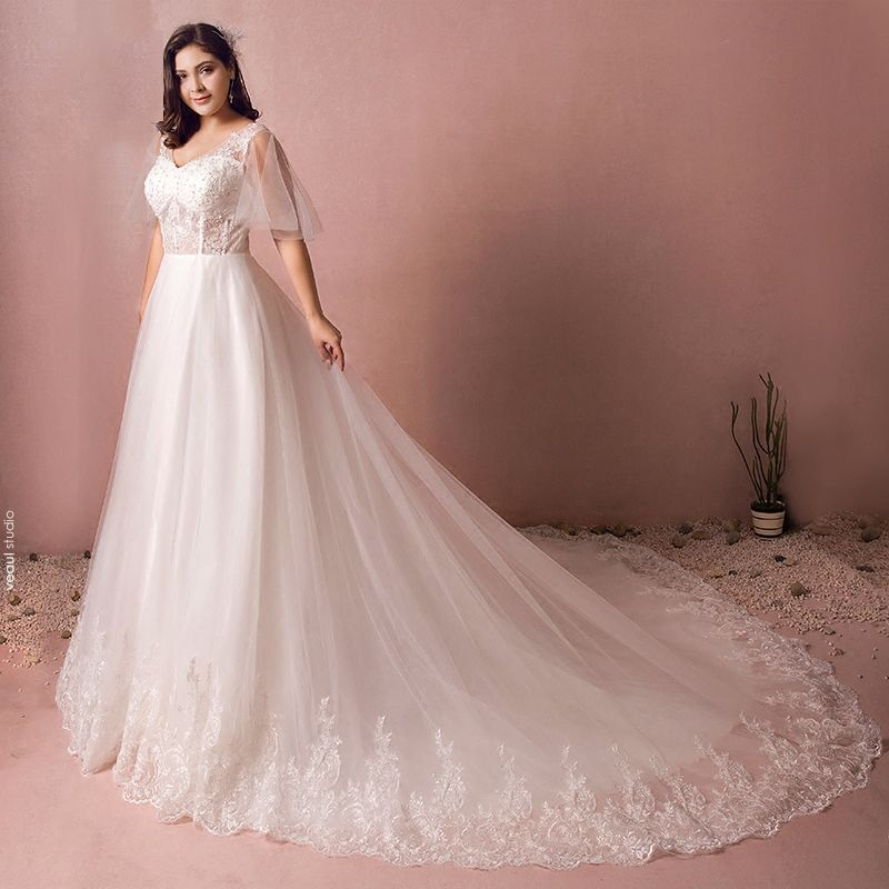 Luxury / Gorgeous White Wedding Dresses 2017 A-Line / Princess V-Neck Tulle Lace Sequins Beading Appliques Backless Wedding