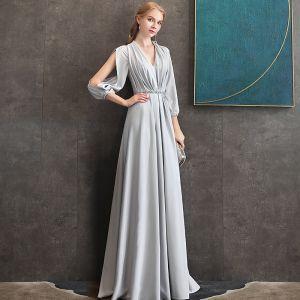 Elegante Grau Chiffon Abendkleider 2020 A Linie V-Ausschnitt Geschwollenes 3/4 Ärmel Perlenstickerei Stoffgürtel Lange Rüschen Rückenfreies Festliche Kleider