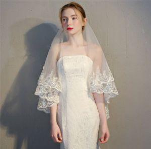 Klassieke Elegante Witte Huwelijk 2018 Tule Appliques Kralen Pailletten Bruidssluier