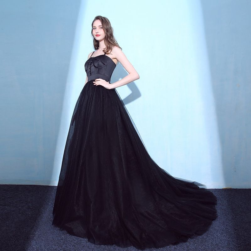 Charming Black Prom Dresses 2018 Empire Spaghetti Straps Backless Sleeveless Court Train Formal Dresses