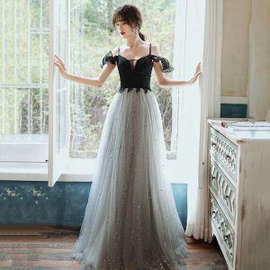 Elegante Grau Abendkleider 2020 A Linie Spaghettiträger Ärmellos Pailletten Lange Rüschen Rückenfreies Festliche Kleider