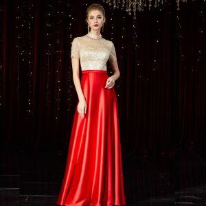 High End Rot Satin Durchsichtige Abendkleider 2020 A Linie Stehkragen Kurze Ärmel Perlenstickerei Lange Rüschen Festliche Kleider