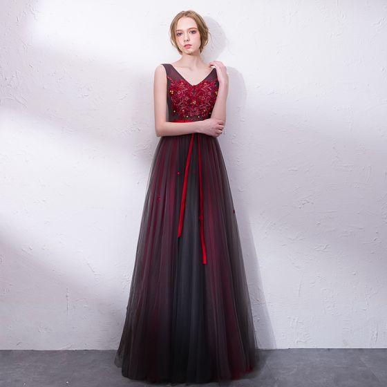 Piękne Burgund Sukienki Na Bal 2018 Princessa Z Koronki Aplikacje Kokarda Kryształ V Szyja Bez Pleców Bez Rękawów Długie Sukienki Wizytowe