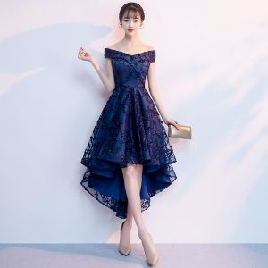 Schöne Marineblau Cocktailkleider 2018 A Linie Off Shoulder Kurze Ärmel Applikationen Mit Spitze Asymmetrisch Rüschen Rückenfreies Festliche Kleider