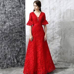 Schöne Abendkleider 2017 Rot A Linie Lange V-Ausschnitt 1/2 Ärmel Rückenfreies Stoffgürtel Perle Kristall Spitze Festliche Kleider