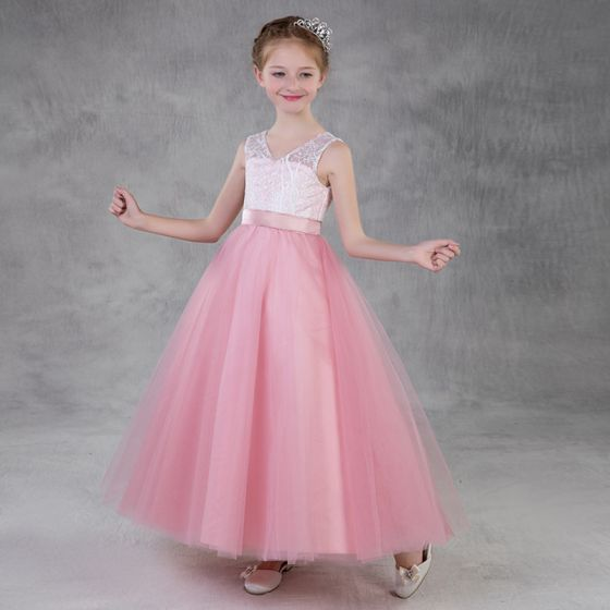 Chic / Beautiful Candy Pink Flower Girl Dresses 2018 A-Line / Princess V-Neck Sleeveless Appliques Lace Sash Floor-Length / Long Ruffle Backless Wedding Party Dresses