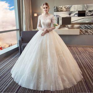 Elegante Ivory / Creme Brautkleider 2018 Ballkleid Rundhalsausschnitt Lange Ärmel Rückenfreies Applikationen Durchbohrt Mit Spitze Lange Rüschen
