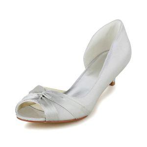 Simples Peep Toe Ruffle Satin Ivoire Et Talons Bobine Pumps Chaussures De Mariée
