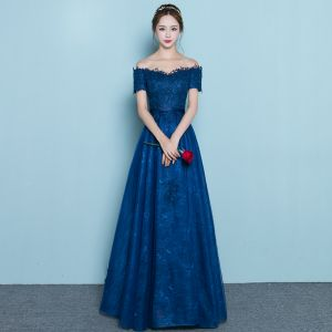 Chic / Beautiful Navy Blue Evening Dresses  2019 A-Line / Princess Off-The-Shoulder Lace Flower Short Sleeve Backless Floor-Length / Long Formal Dresses