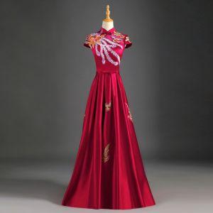 Style Chinois Bordeaux Robe De Soirée 2019 Princesse Col Haut Appliques En Dentelle Noeud Mancherons Dos Nu Longue Robe De Ceremonie