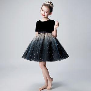 Moderne / Mode Noire Robe Ceremonie Fille 2019 Robe Boule Encolure Dégagée Manches Courtes Noeud Ceinture Glitter Tulle Courte Volants Robe Pour Mariage