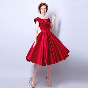 Modest / Simple Burgundy Prom Dresses 2018 A-Line / Princess Off-The-Shoulder Backless Sleeveless Tea-length Formal Dresses