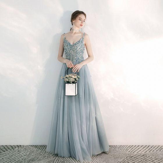 Eleganckie Błękitne Sukienki Wieczorowe 2020 Princessa Spaghetti Pasy Bez Rękawów Aplikacje Kwiat Długie Wzburzyć Frezowanie Bez Pleców Sukienki Wizytowe