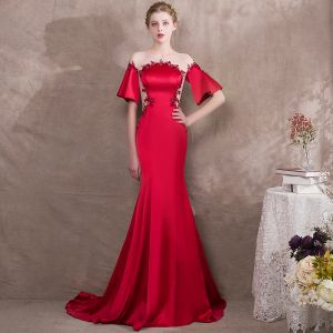 Elegante Rot Abendkleider 2018 Meerjungfrau Perlenstickerei Rundhalsausschnitt 1/2 Ärmel Sweep / Pinsel Zug Festliche Kleider