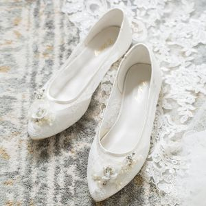 Chic / Beautiful White Summer Wedding Shoes 2018 Leather Lace Pearl Rhinestone Pointed Toe Wedding Flat Heels