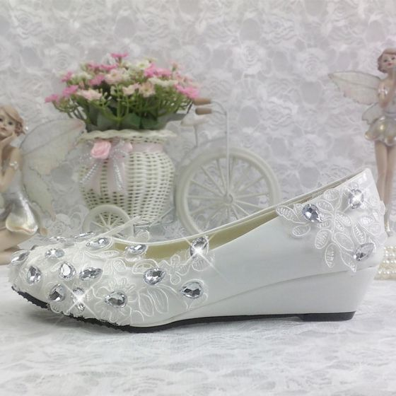 Chic / Beautiful 2017 White Casual Church Lace PU Appliques Rhinestone Flat Flat Sandals Wedding Shoes